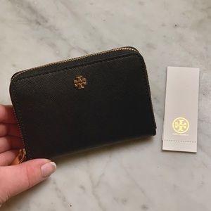 NWT Tory Burch Robinson Keychain Wallet